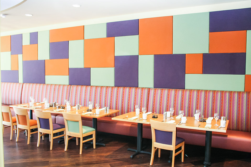 restaurant-with-tiled-mosaic-of-acoustical-fabric-wrapped-panels-1050